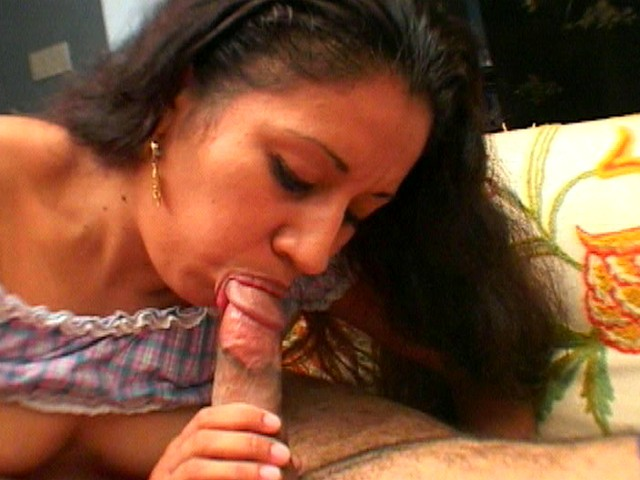 Chick From Latin America Pops Her Hairy Cunt